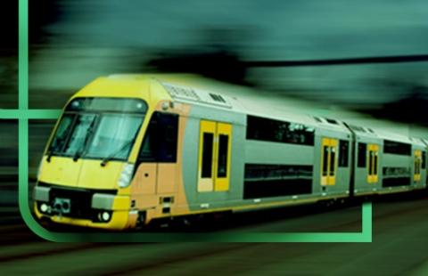 Trem veloz na cor amarela com o logo da estapar em volta do trem